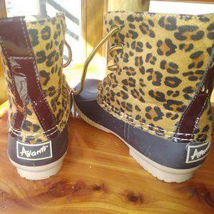 Avanti Cheetah Girls duck boots size 11